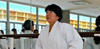 """Con 40 años de carrera en Karate Do, Sensei Norma Bach nos comparte una reflexión respecto a una de las enseñanzas que le ha dejado su aprendizaje y meditación sobre lo que es el """"Do"""" en el Camino de la Mano Vacía, y para su vida diaria…"""