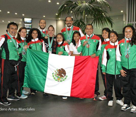 Agradecidas, felices y con determinación para mejorar como practicantes y personas, el equipo de karate Club Mundet-Casa de las Mercedes regresó a México con medallas de oro, plata y bronce ganadas en el Campeonato Mundial de la World Shotokan Karate Federation, en Tokio, Japón.